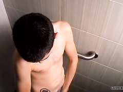 Soapy dick of a beautiful twink in the shower