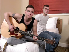 Twink gets thanked with blowjob for playing guitar